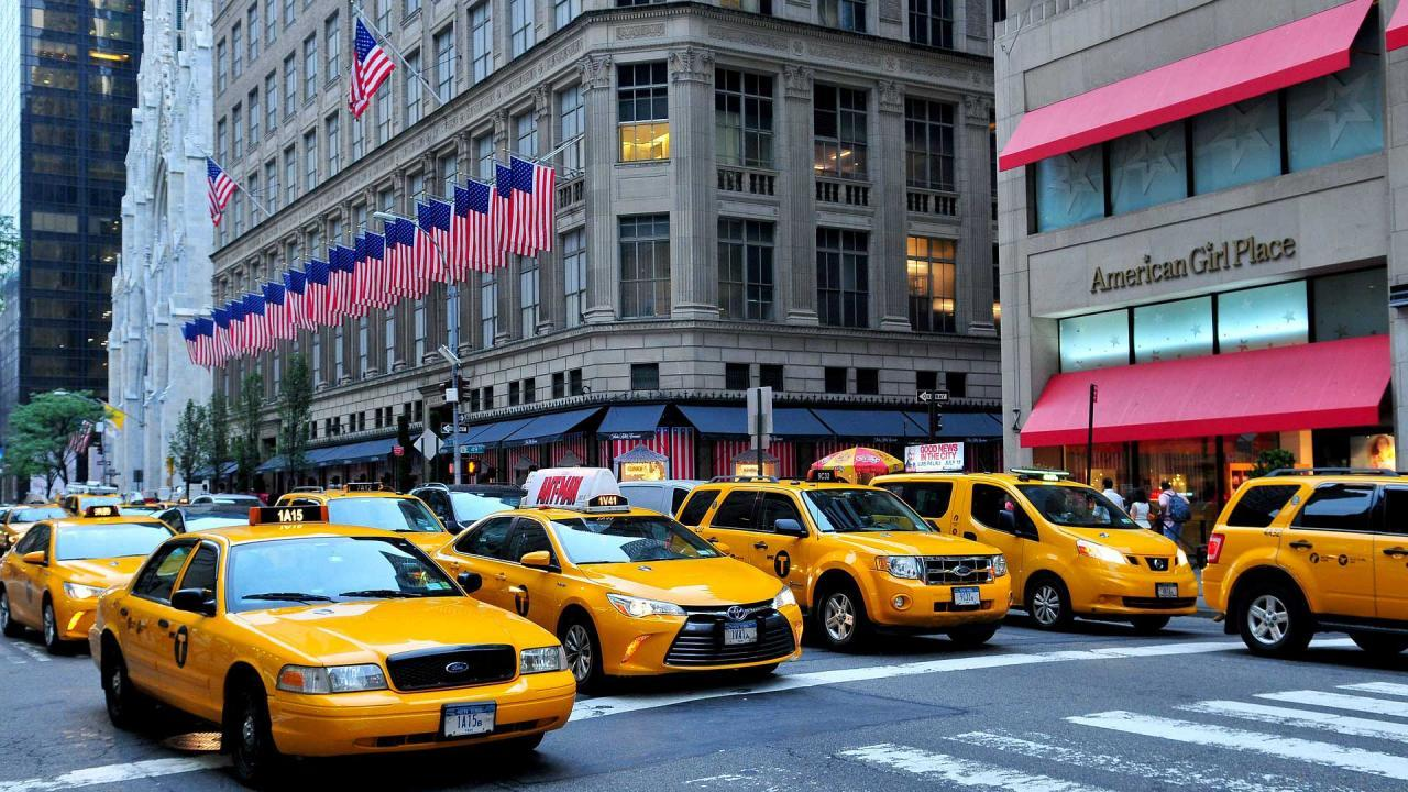 new-york-shopping-manhattan-taxi_convert_20180512020653.jpg