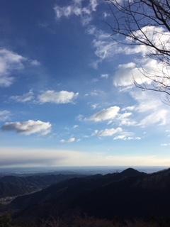 山からの空