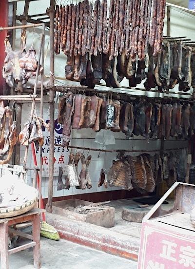 イノシシの肉屋(中国四川省)