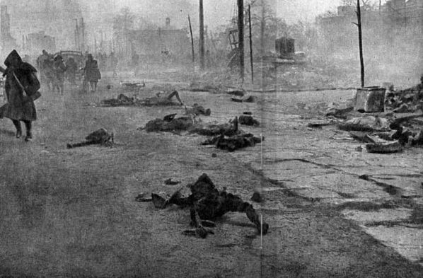 花川戸…路上に横たわる焼死体