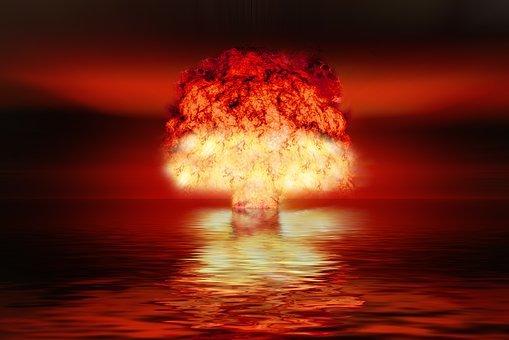 atomic-bomb-2621291__340.jpg