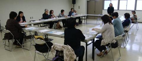 0414 女性会議総会で解散1
