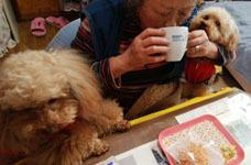 0422 母とお茶2