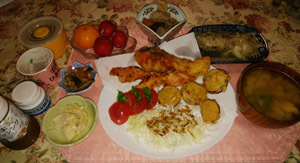 晩御飯 鮭フライ アジ南蛮 五目豆 お味噌汁