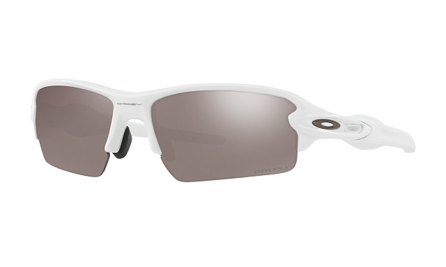 main_oo9271-2461_flak-2-0_polished-white-prizm-black-polarized_001_122742_png_heroxl.jpg