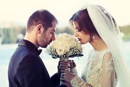 wedding-1255520__340.jpg