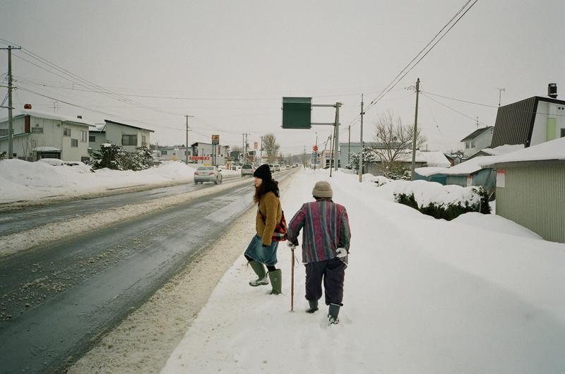 $フィルムカメラで嫁を撮る-交差