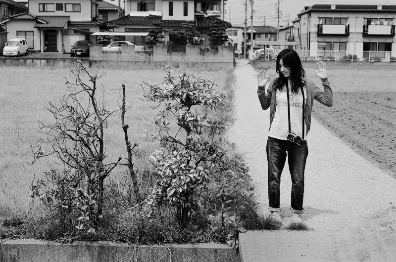 $フィルムカメラで嫁を撮る-3本の木