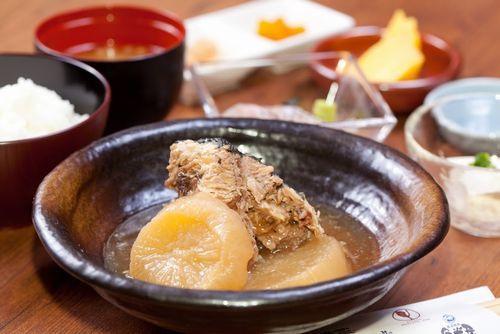 和食洋食中華絶品ランチをバルで堪能神谷町池袋駅近く1000円以下で美味しい海鮮ランチが食べられる