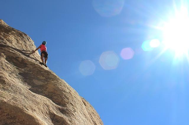 climber-984380_640.jpg