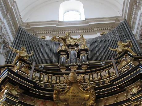 ヴァヴェル大聖堂パイプオルガン