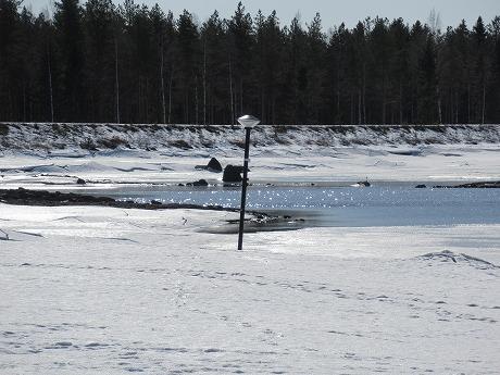 溶けかけの湖