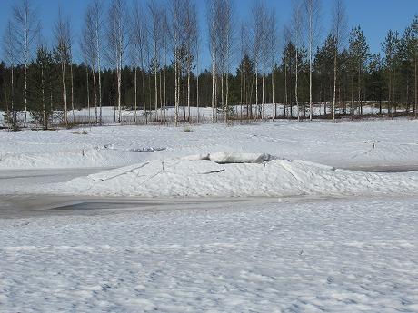 雪の小山1