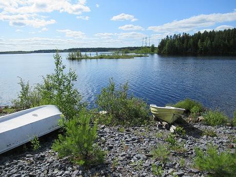 湖とボート1
