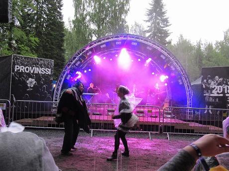 雨の中のダンス