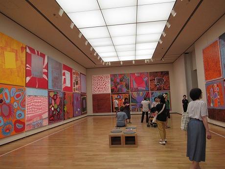 松本市立美術館展示