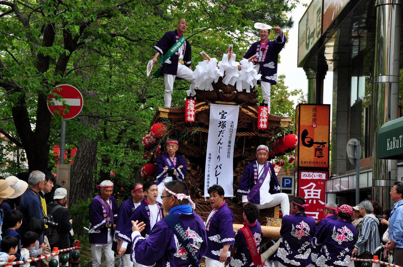 ②小林宝塚神社だんじり