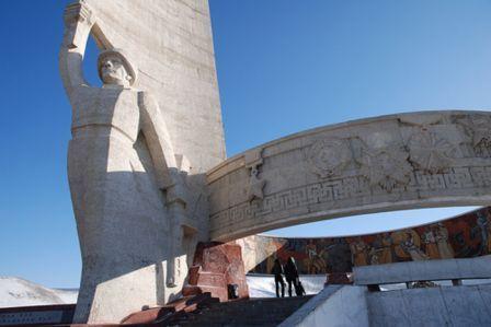 zaizan_memorial.jpg