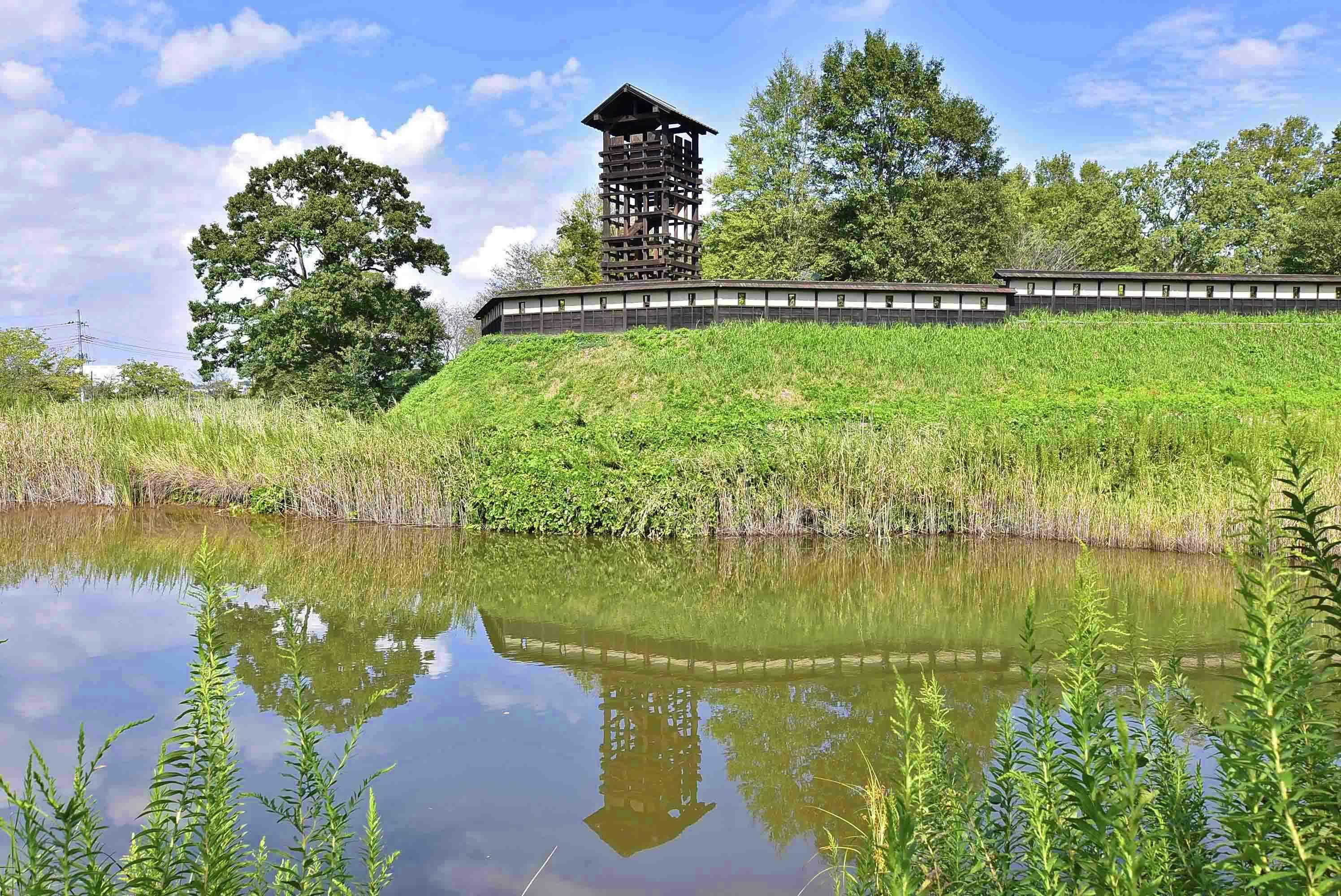 逆井城 水面に移る井楼矢倉
