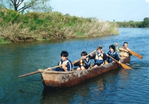 25 丸太舟