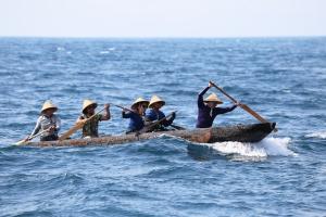 10 丸太船