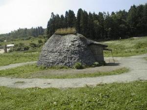 23 竪穴式住居 草創期 (2)