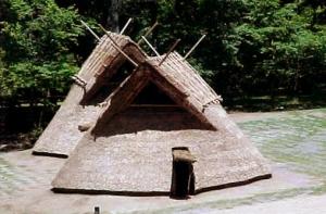 25 竪穴式住居 中期