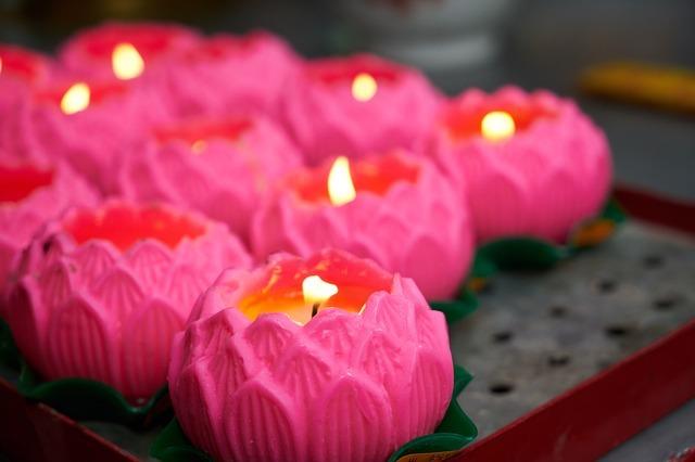 candle-2582027_640.jpg