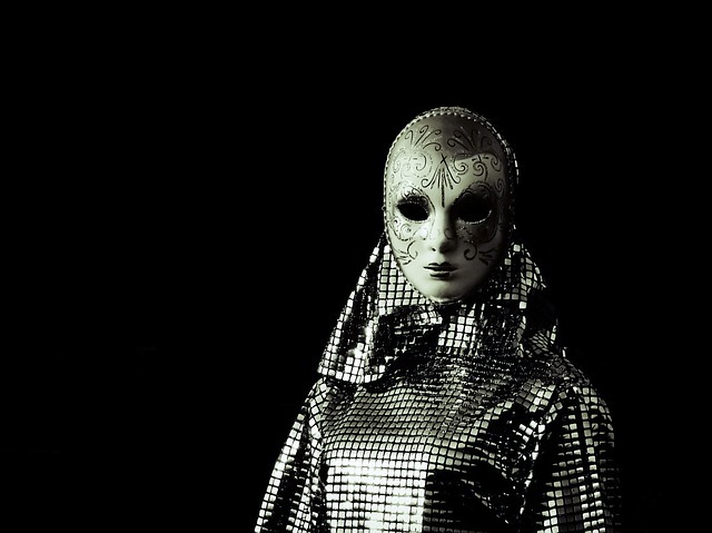 mask-2872819_640.jpg