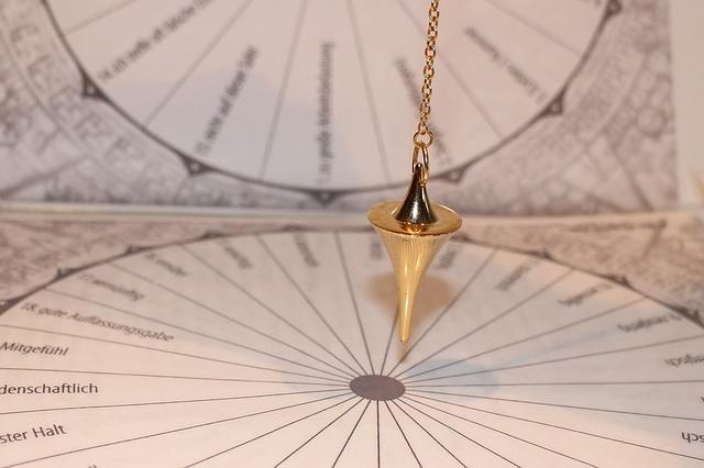 pendulum-242740_640.jpg