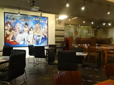 【悲報】アズレンのコラボカフェさん、東京に引き続き大阪でもガラッガラらしい・・・