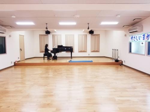 くまぴあで佐代子さんとのピアノヨガ1