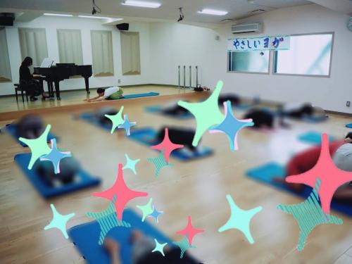 くまぴあで佐代子さんとのピアノヨガ5