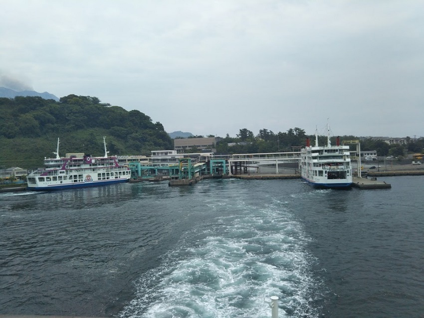 桜島フェリー 桜島港出航