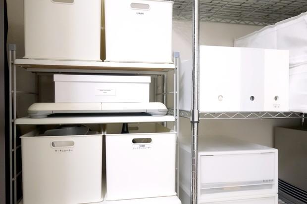 IKEA・TJENA ボックス 仕切り付き・余り部屋クローゼット・なんちゃって押入れ①