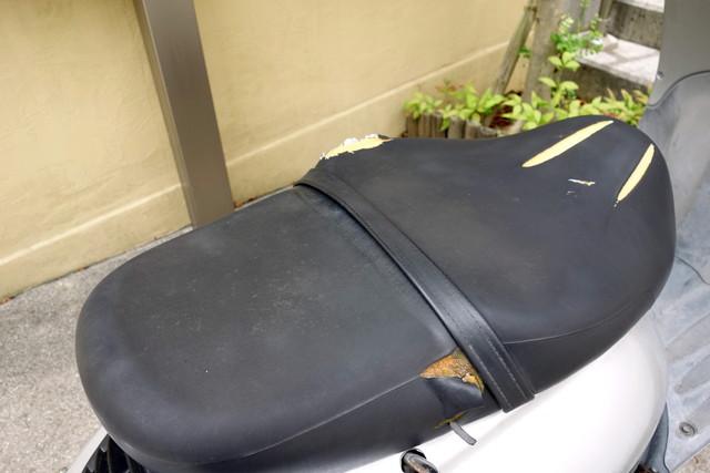 HONDA・ジョーカー90・バイク・シート補修①
