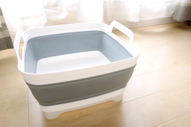 グレー・折りたたみ洗い桶②