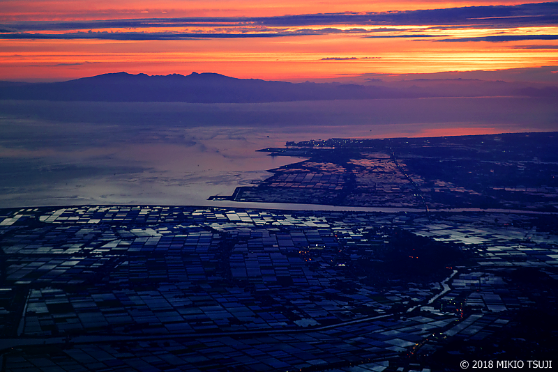 絶景探しの旅 – 0645 トワイライト 多良岳と有明海(熊本県 玉名市)