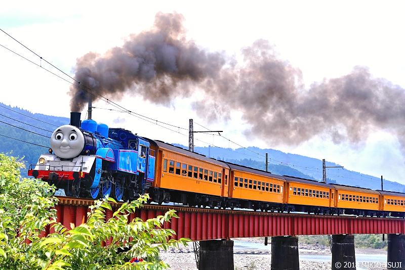 絶景探しの旅 - 0653 黒煙上げ大井川第一橋梁を行く機関車トーマス (静岡県 島田市)