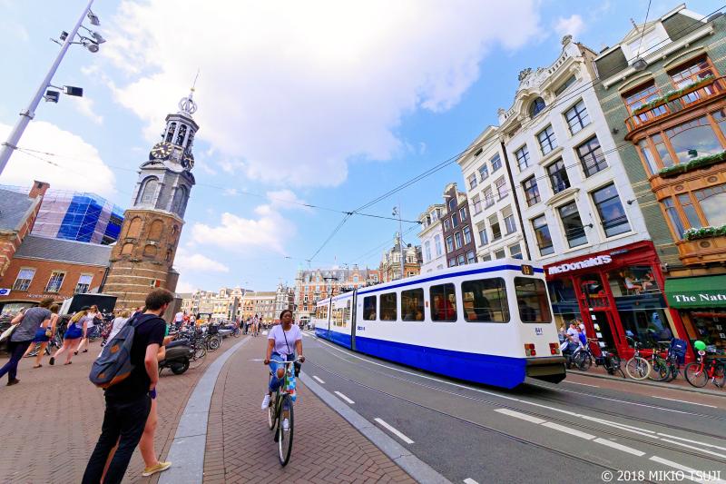 絶景探しの旅 - 0663 アムステルダム中央駅に続く道 (オランダ アムステルダム)