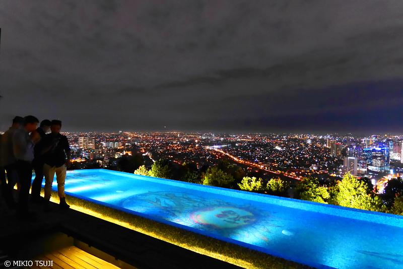 絶景探しの旅 - 0707 高層ビル屋上ガーデンからのジャカルタの夜景 (インドネシア)