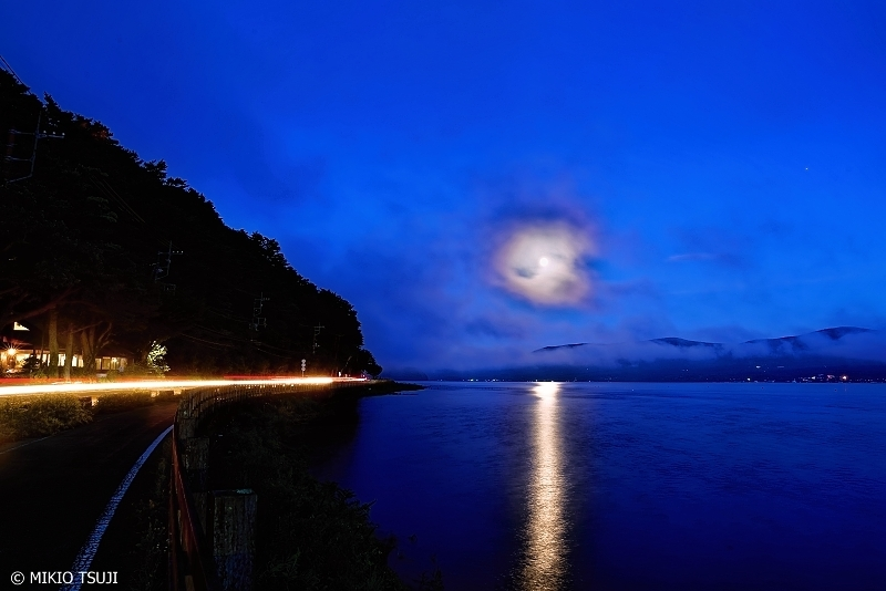 絶景探しの旅 - 0722 満月の昇る山中湖 (山梨県 山中湖村)